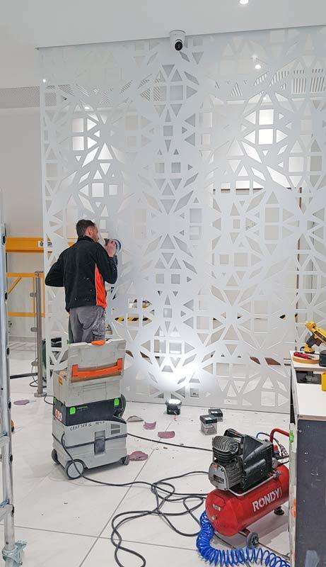Etape de fabrication du claustra en Solid Surface