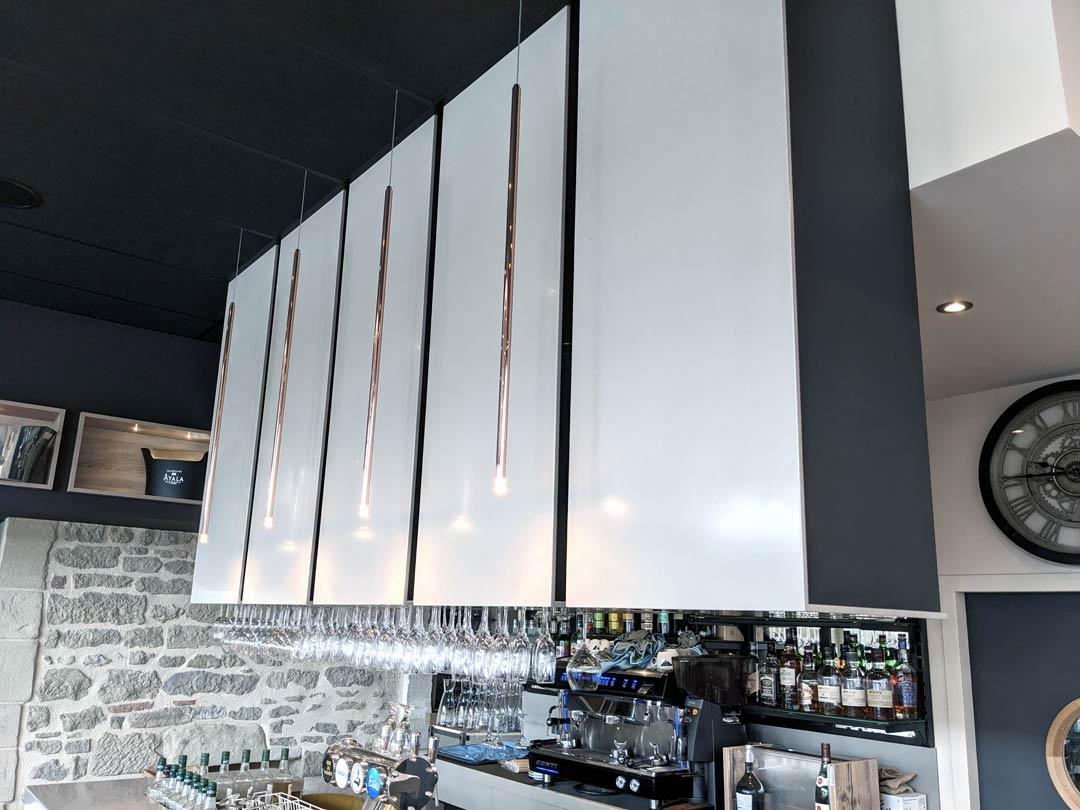 Habillage de haut de bar en Solid Surface