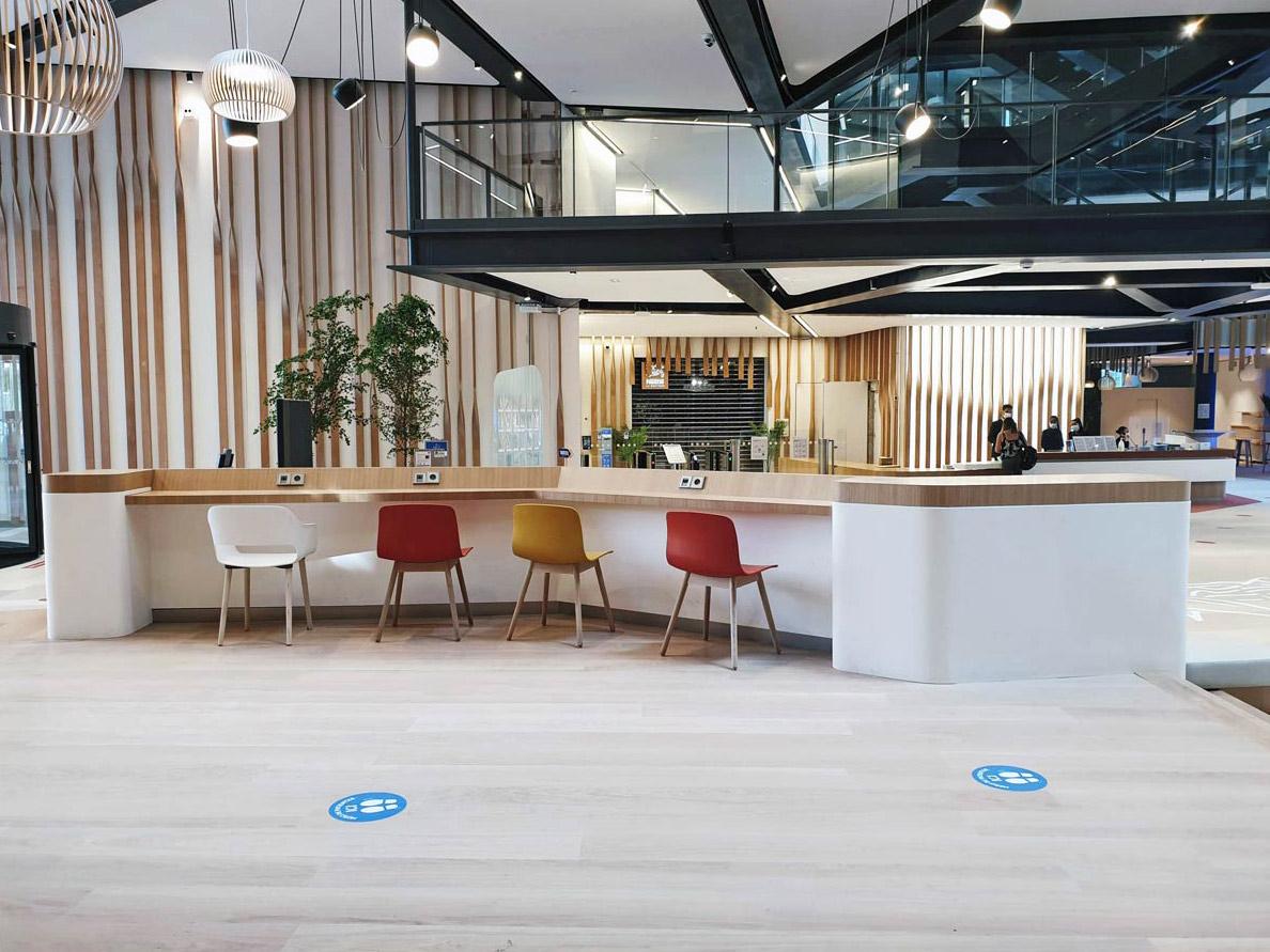 Habillage mural - Aménagement de l'espace de réception - siège social de Nestlé à Paris
