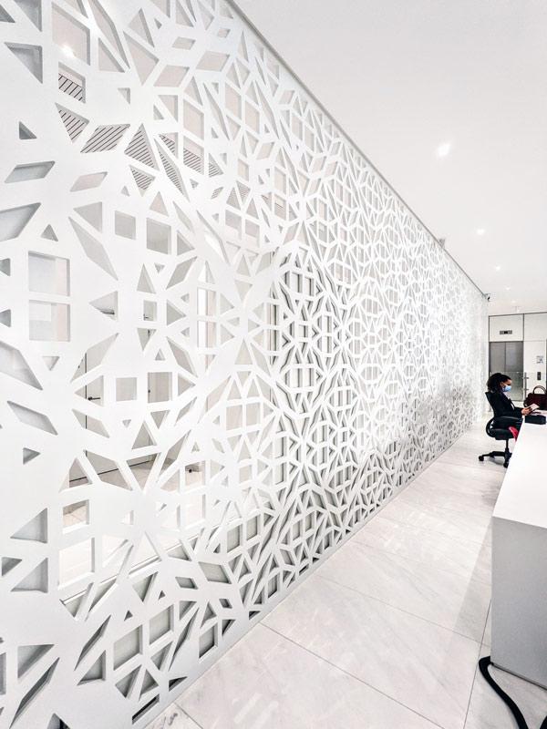 Habillage mural - Claustra en Solid Surface V-korr