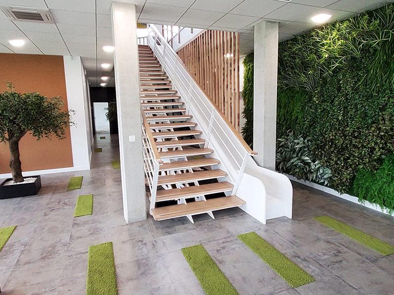 mobilier de bureau en Solid Surface : toboggan